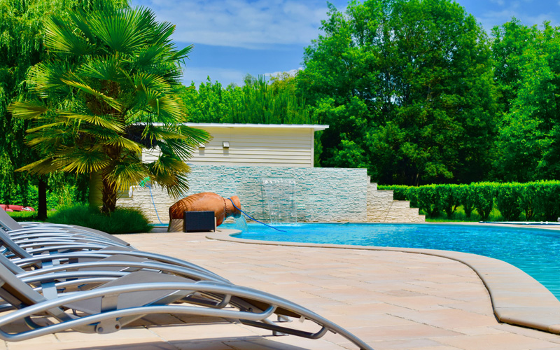 DOMAINE DE LACAVE - THE SWIMMING POOL